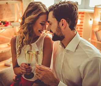 what to do for first anniversary dating